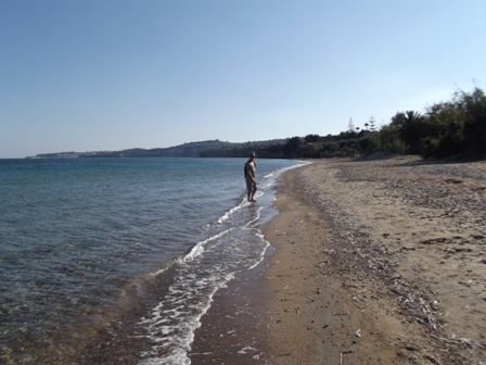 Peroulia beach towards Gargarou beach November 2013